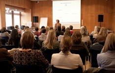 Knigge-Workshops und Vorträge mit Astrid Fiedler sind ein Erlebnis.